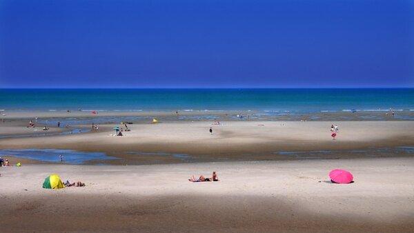 """Percakapan tentang alam dan lingkungan """"Saya lebih suka pantai daripada pegunungan"""""""